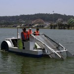 Lâm Đồng: thử nghiệm thiết bị hút tảo lam trên hồ Xuân Hương Đà Lạt